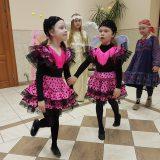 Весёлый танец
